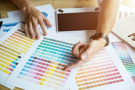 WEBと色彩 <ファッションとの色彩比較>